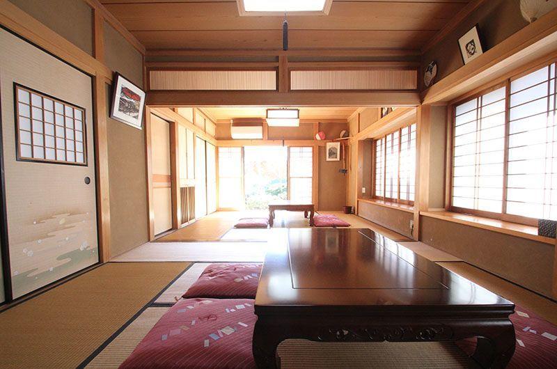【湘南江ノ島・海徒歩6分】庭の緑と和の温もりに癒される!本格キッチン付き和風邸宅 のカバー写真