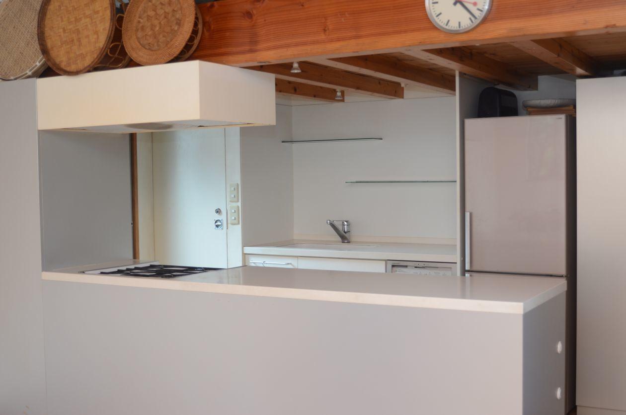 広々としたキッチンスペース!シンプル&オシャレなお部屋でパーティーや撮影はいかがでしょうか?  のカバー写真