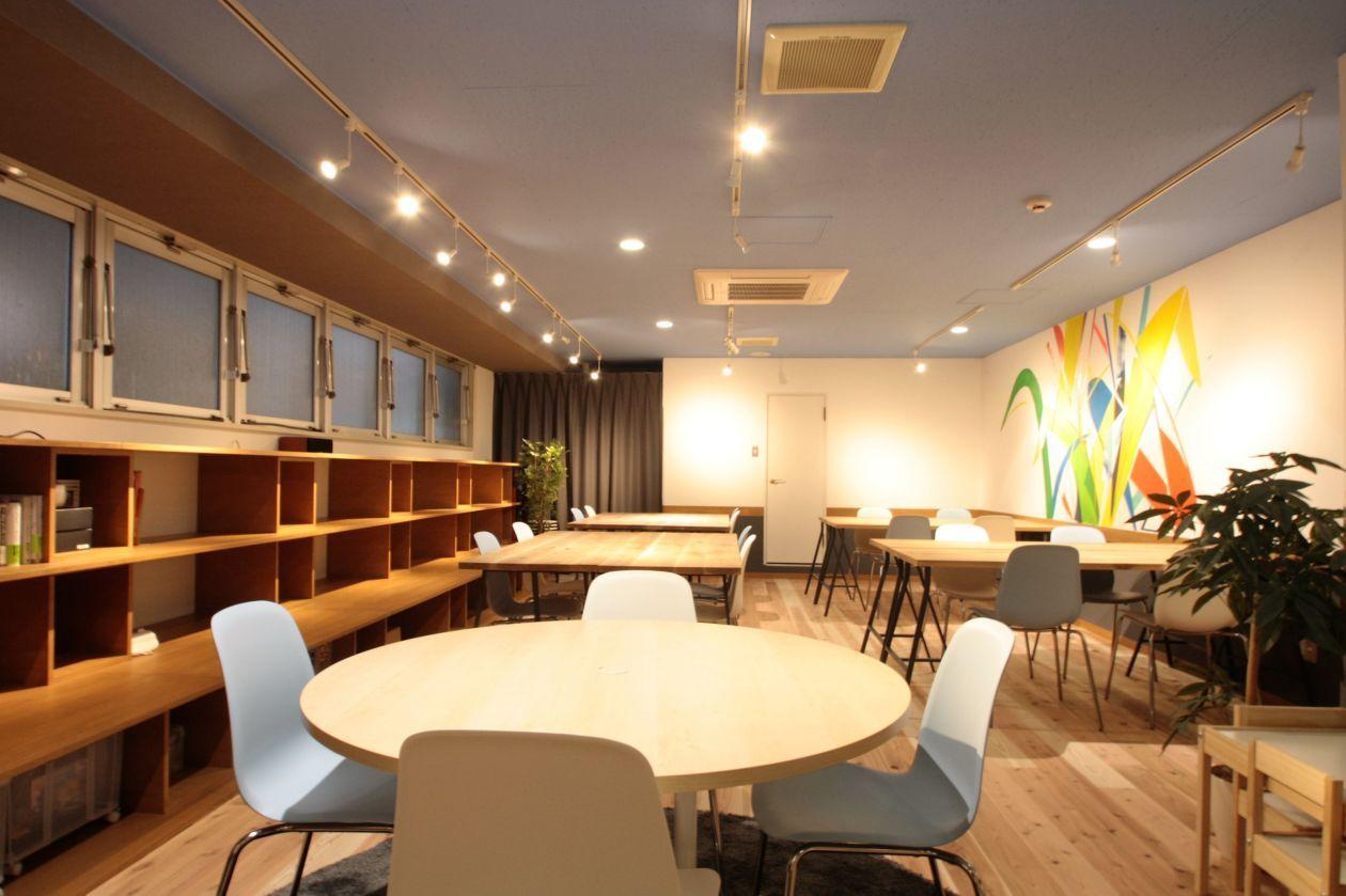 【池袋】駅から徒歩1分!イベント・ワークショップにぴったりの貸切スペース(co-ba ikebukuro ) の写真0