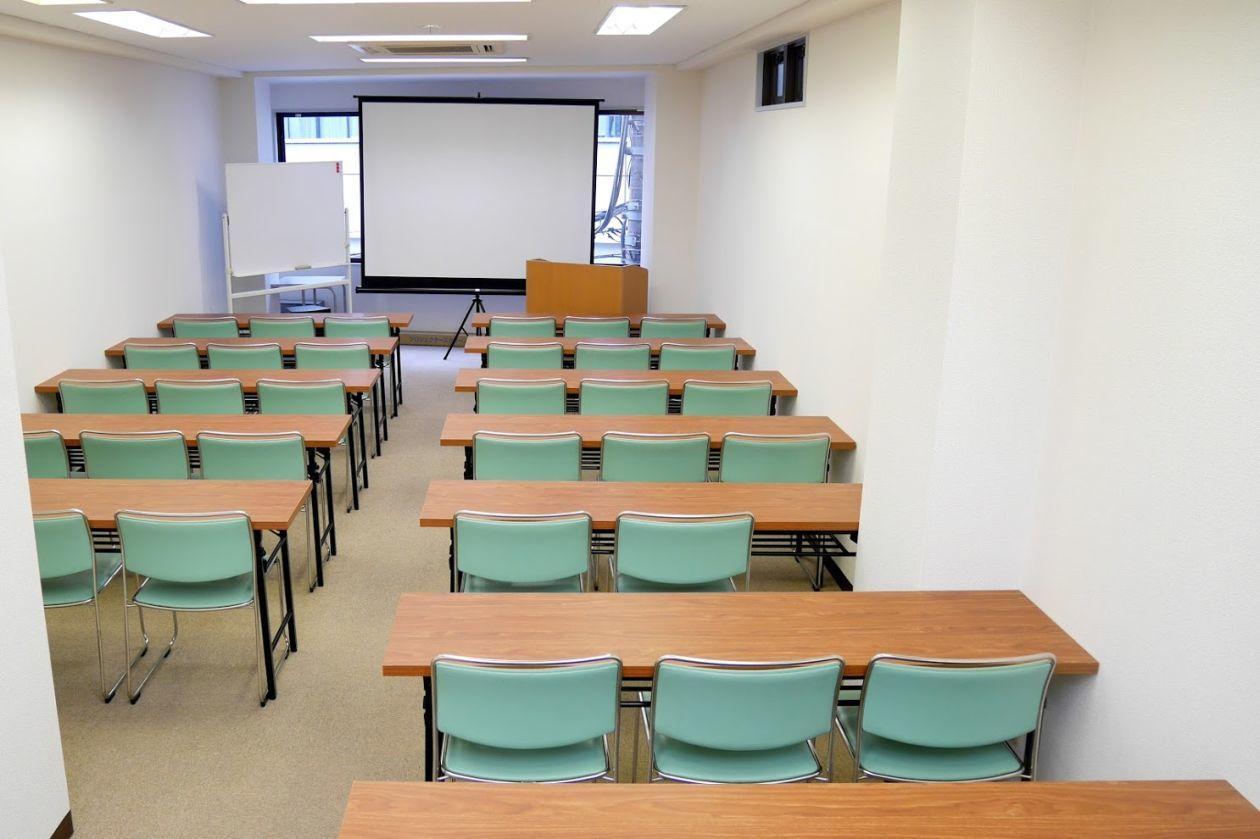 駅チカ!36名収容の使いやすい貸し会議室(NATULUCK神保町駅前店) の写真0