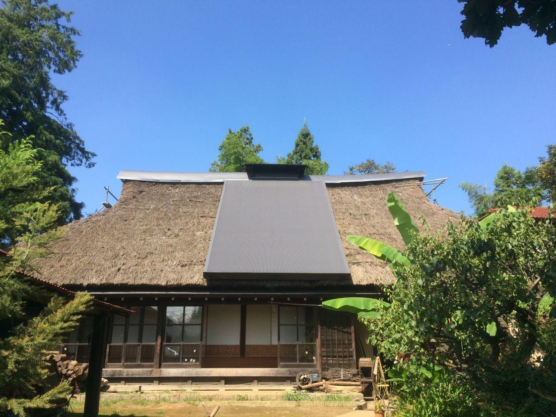 トンボの群れ、のち秋晴れ。【東京 町田】都内に残された貴重な茅葺古民家で、ランチ会や撮影会をしてみませんか? のカバー写真