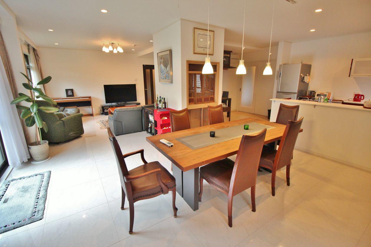 一軒家の洋室と和室を広々貸しきれる(OPでキッチン使用可) の写真