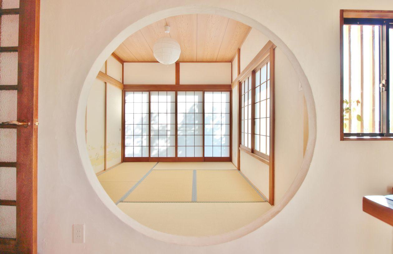 【横浜・菊名 広々300㎡隠れ家『和室』】丸く切取った壁向こうに広がる畳で「着付/茶道/華道教室」等ができる!