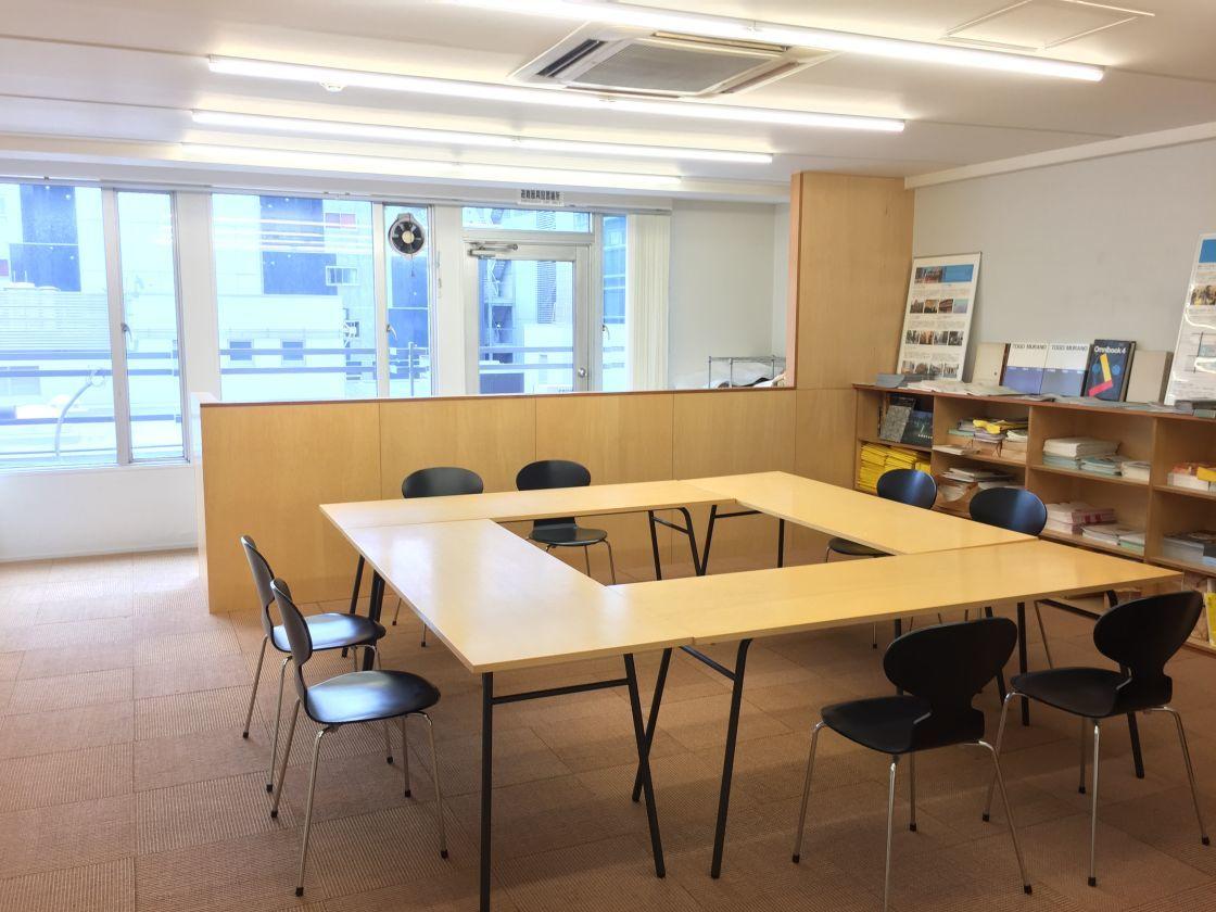 【大阪 本町】オシャレなミーティングスペース、展示会でも利用できます。! の写真