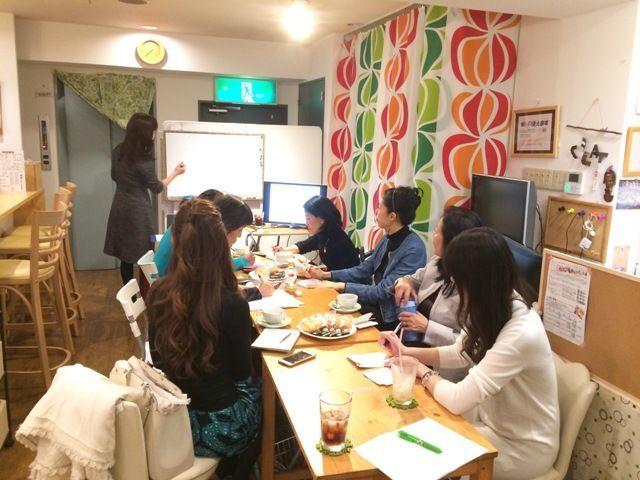 大阪の中心にあるキッチン付きレンタルカフェ。ちょっとしたお茶会やパーティに。 の写真