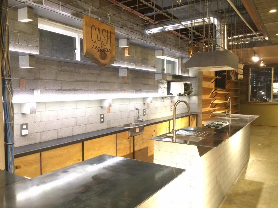 【芦原橋駅徒歩2分】無料Wi-Fi完備のキッチン付きスペース。音響&映像設備も有(SALTVALLEY芦原橋) の写真0
