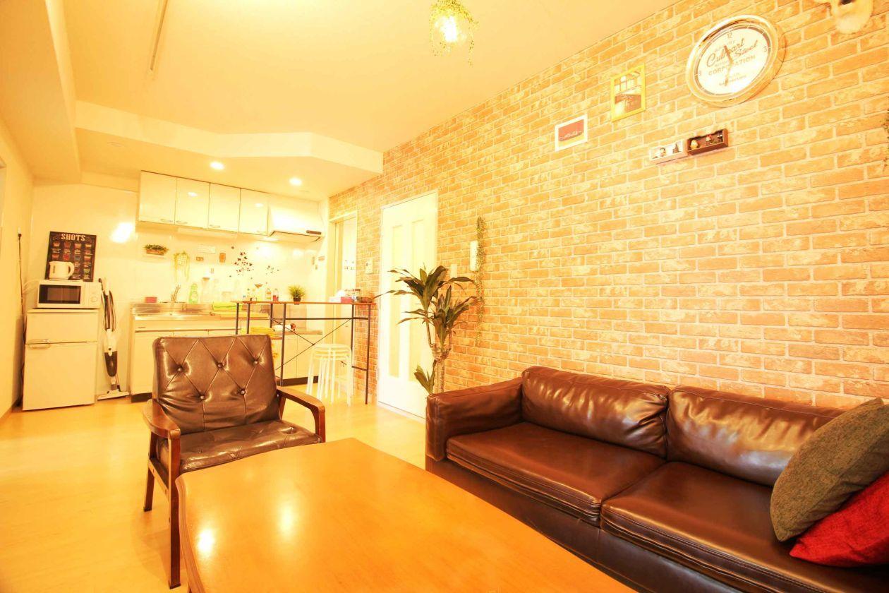 壁一面レンガのアットホームなカフェスペース#女子会#ママ会#バレンタインデー#誕生日会#コスプレ撮影#CM撮影#動画撮影 の写真