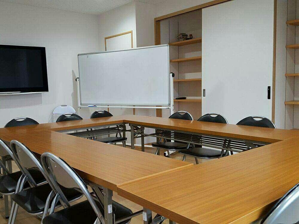 【福岡】塾/会議/フィットネスで利用可能な格安セミナールーム(福岡 コミュニティ レンタルスペース セミナー/教室/ヨガ) の写真0
