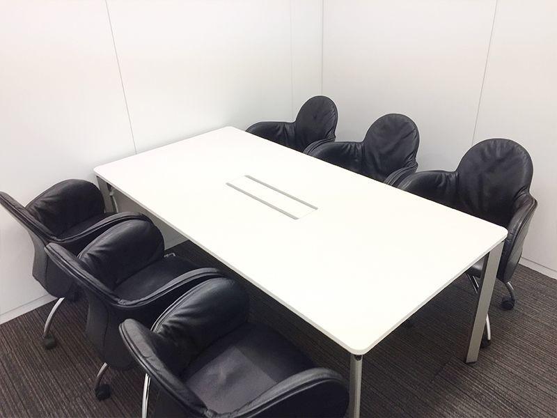 ディスプレイ等のサービスが充実、Wi-Fi完備、ケイタリング提供可能。横浜駅徒歩5分の好立地にある会議室です!(304号室)(ビジョンセンター横浜) の写真0