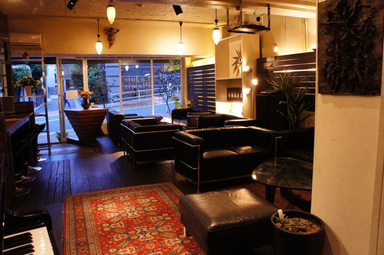 【新宿 四谷】各種パーティ、イベントに人気。キッチン付き、多目的スペース。グランドピアノもあります。 の写真