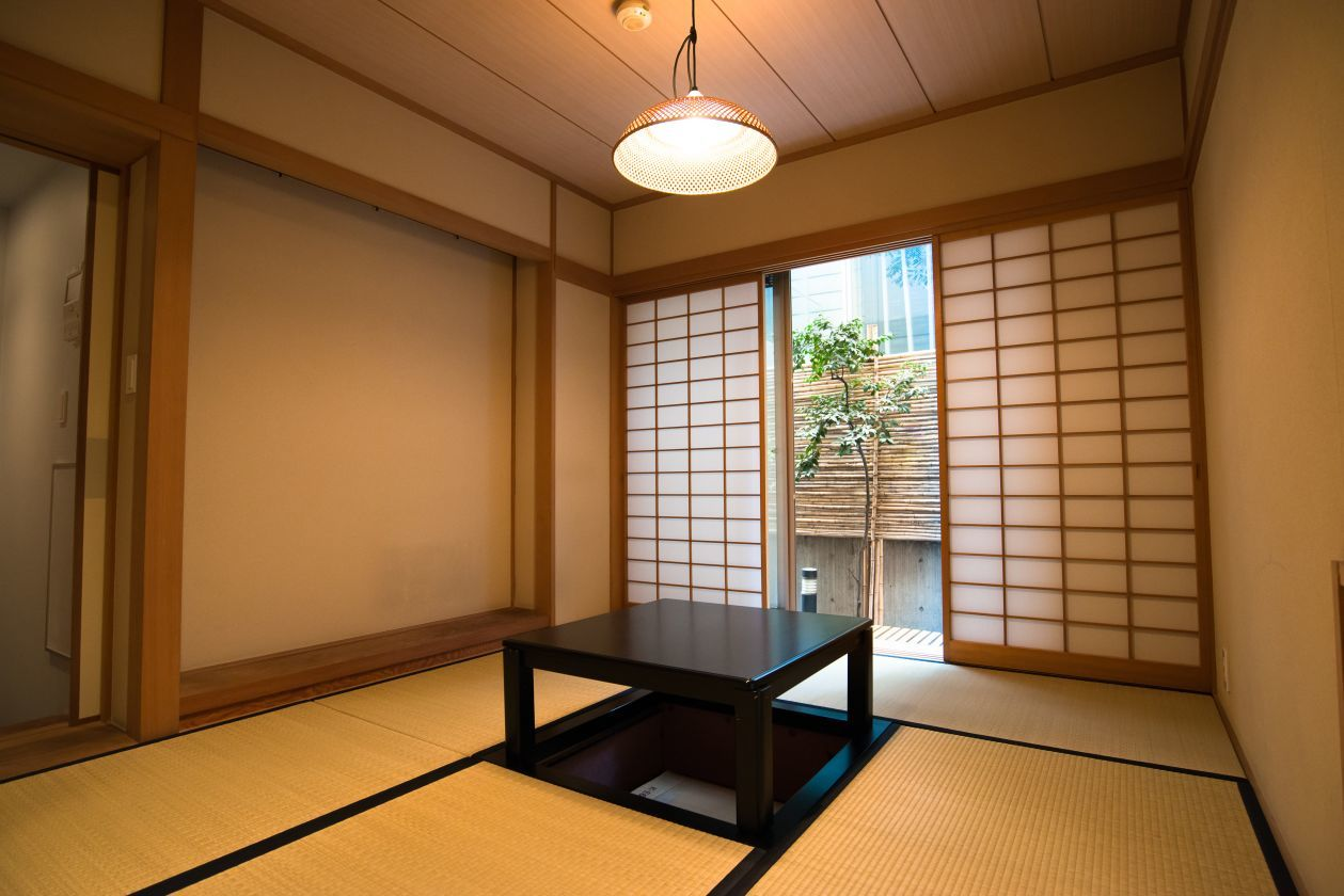 「STUDIO TATAMI 表参道」 駅10秒 庭付き和室 茶道、着付け、写真撮影 スタジオ のカバー写真