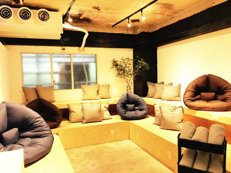 【渋谷マークシティ道玄坂上出口より徒歩5分】EAオープンエリア(basement cafe CO-WORKING SPACE) の写真0