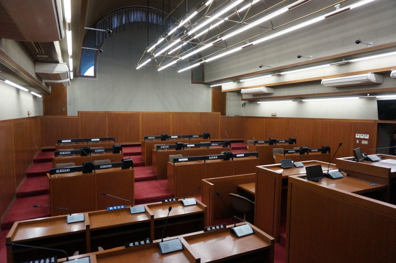横瀬町役場本庁舎「議場」(横瀬町役場本庁舎) の写真0