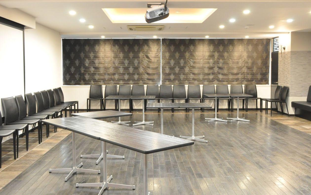 【銀座】シックで高級感あふれる会議室。パーティにもご利用頂けます(NATULUCK銀座) の写真0