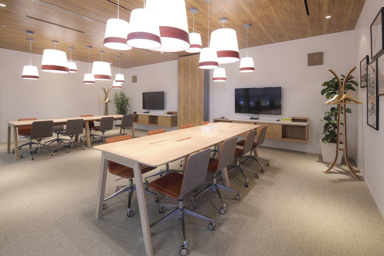 アイデアが湧きそうなスタイリッシュなミーティングルーム 8名掛け(SPACES JPタワー名古屋会議室) の写真0