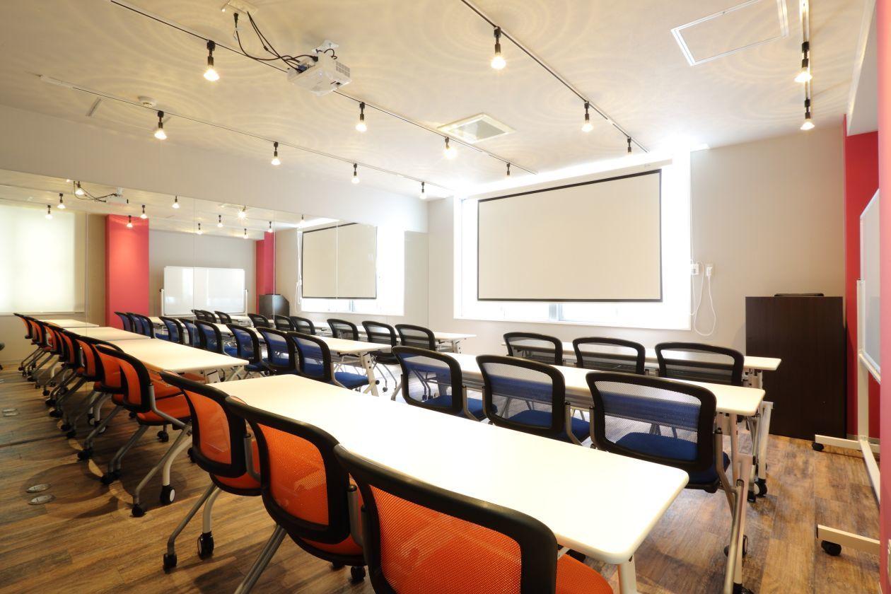 セミナールーム&ミラー付スタジオ 会議・セミナー・ヨガ・ウォーキングに最適!(D→START岡崎) の写真0