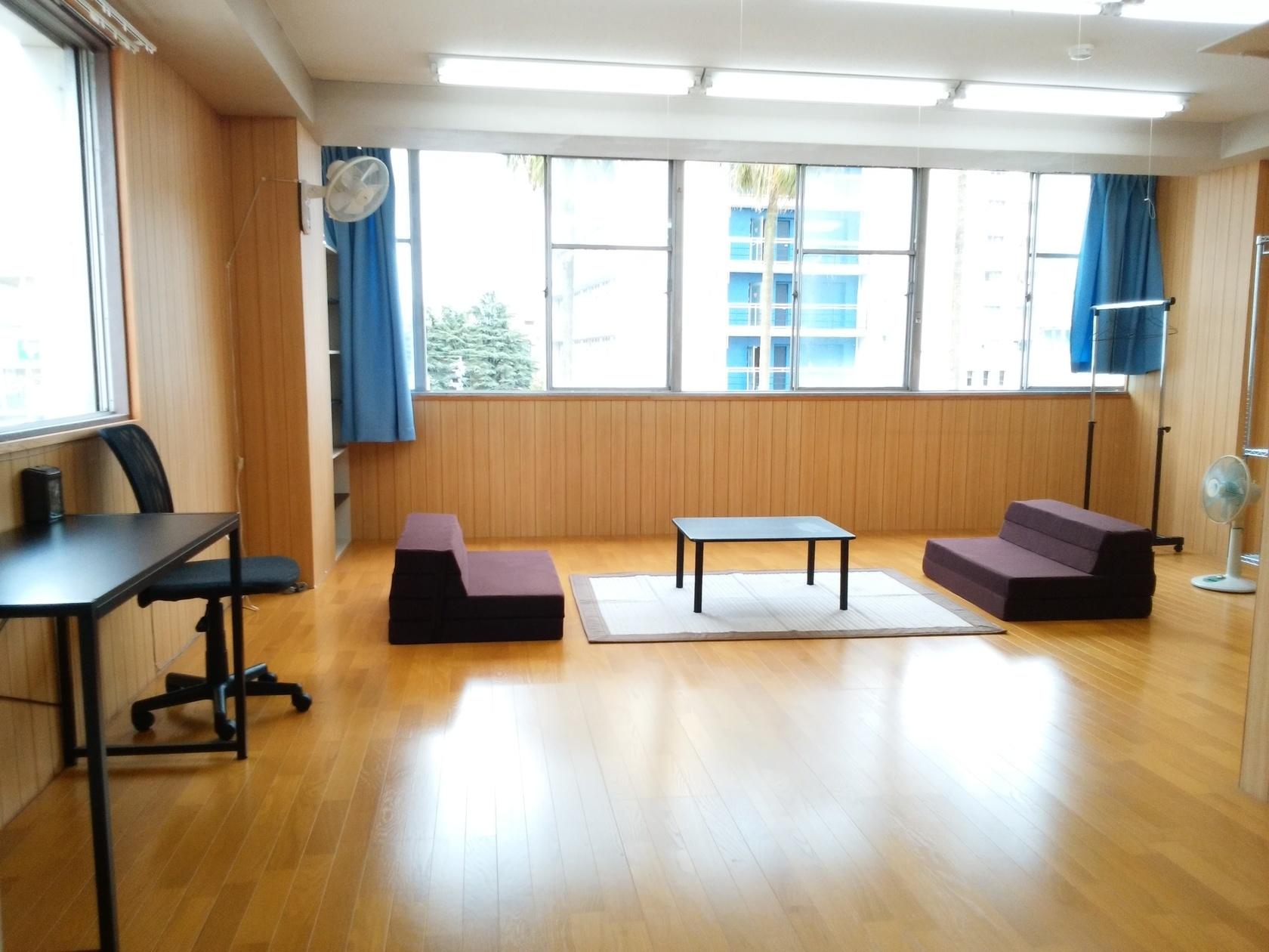 古い雑居ビルの空き部屋(【宮崎市中心部】 古い雑居ビル) の写真0