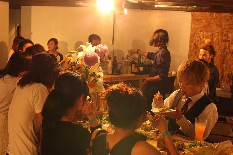 【Uvillage】中崎町駅徒歩1分 梅田徒歩11分 パーティー、講演会にオススメ!プロジェクター、キッチン、マイクあります(Uvillage) の写真0
