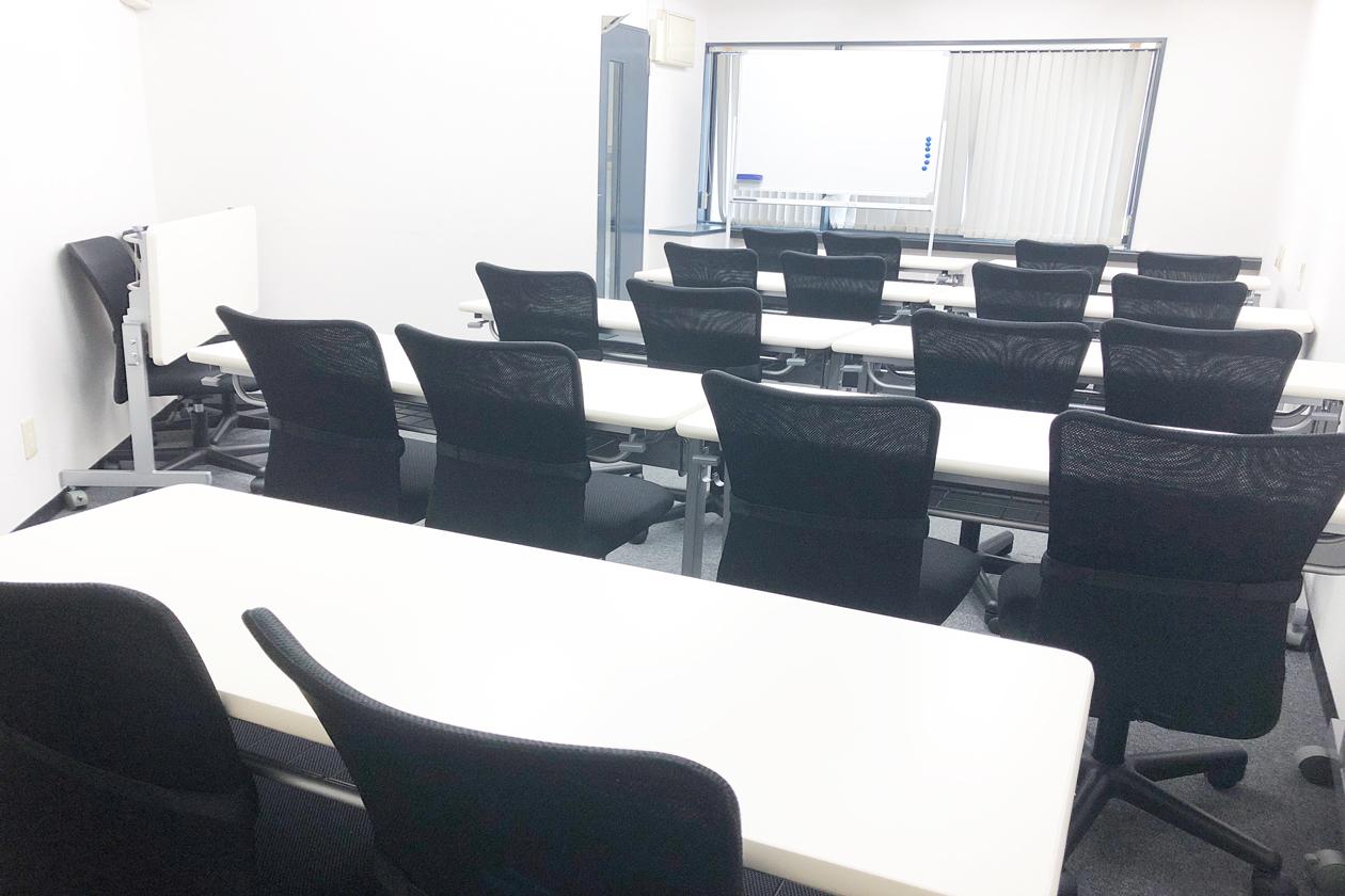 神田駅徒歩1分 最も駅近な中規模会議室 20人まで セミナー 会議 オフ会など最適スペース(神田駅徒歩1分 最も駅近な中規模会議室 20人まで セミナー 会議 オフ会など最適スペース) の写真0