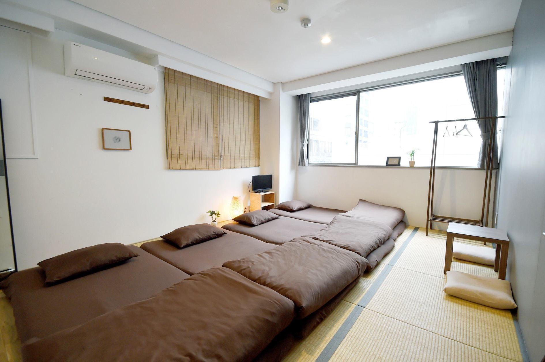 長堀橋駅より徒歩4分。共用部は18人まで、宿泊は30人まで利用可能。お茶会、会議、合宿など様々な用途にお使いいただけます。 の写真