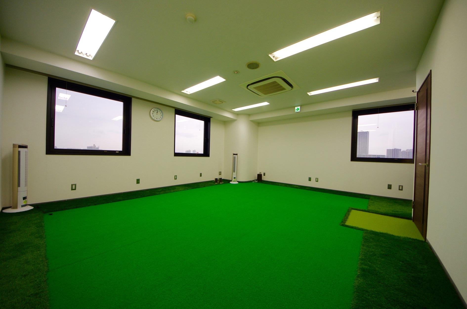 人工芝のフリースペース!個室付き!(人工芝のフリースペース!個室付き!トレーニングからイベントまで用途自由!) の写真0