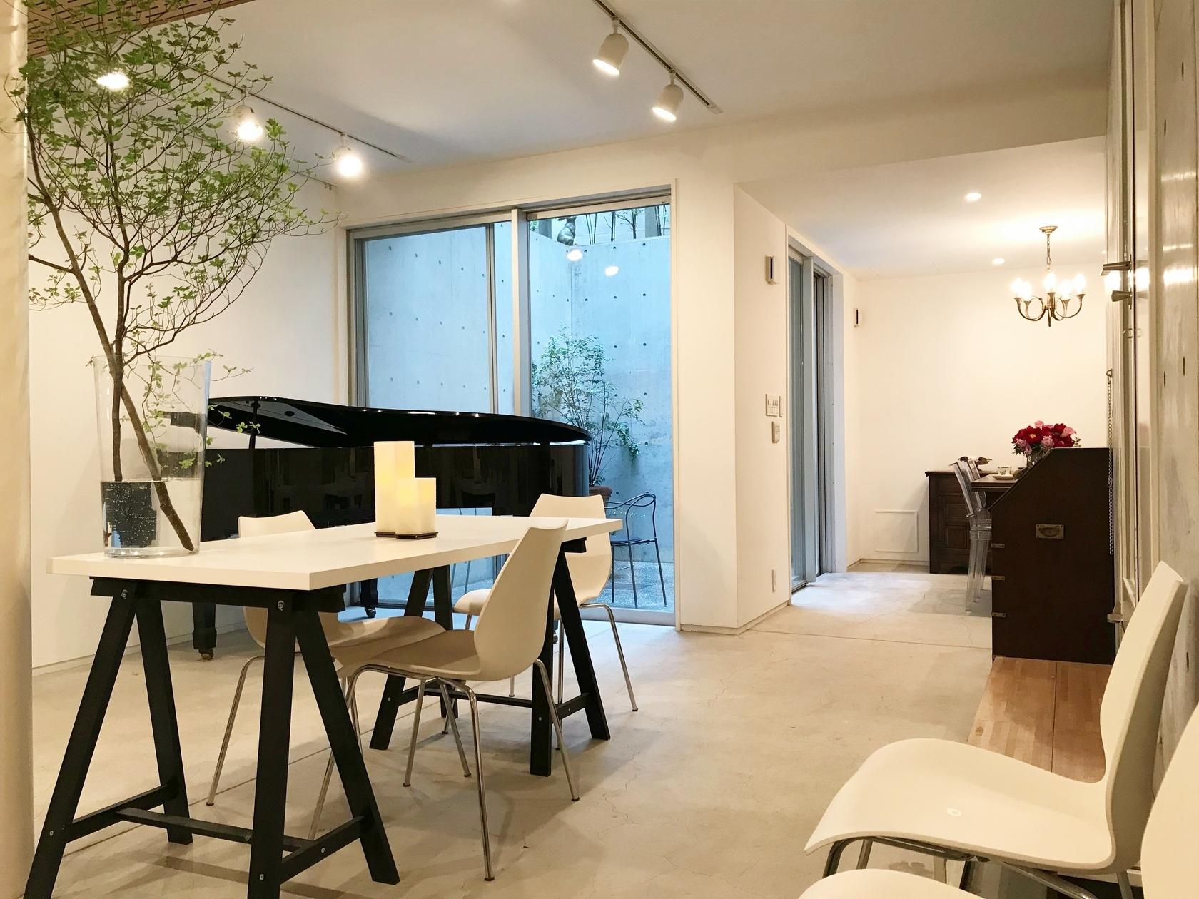 [代官山徒歩6分/駐車1台可]グランドピアノのある隠れ家的スペース。会議・楽器練習・女子会・子連れパーティー・コスプレ撮影会(サロット代官山) の写真0