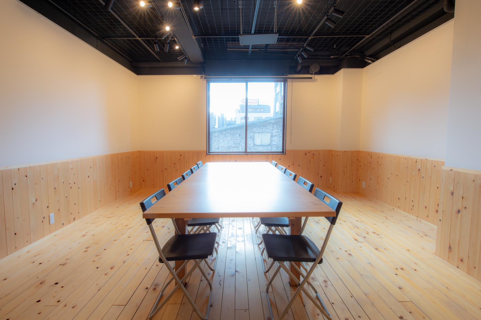 【大阪・江坂】落ち着いたギャラリースペースで個展・展示会・セミナー・ワークショップ・会議・撮影など使い方自由!【新大阪から2駅】 のカバー写真
