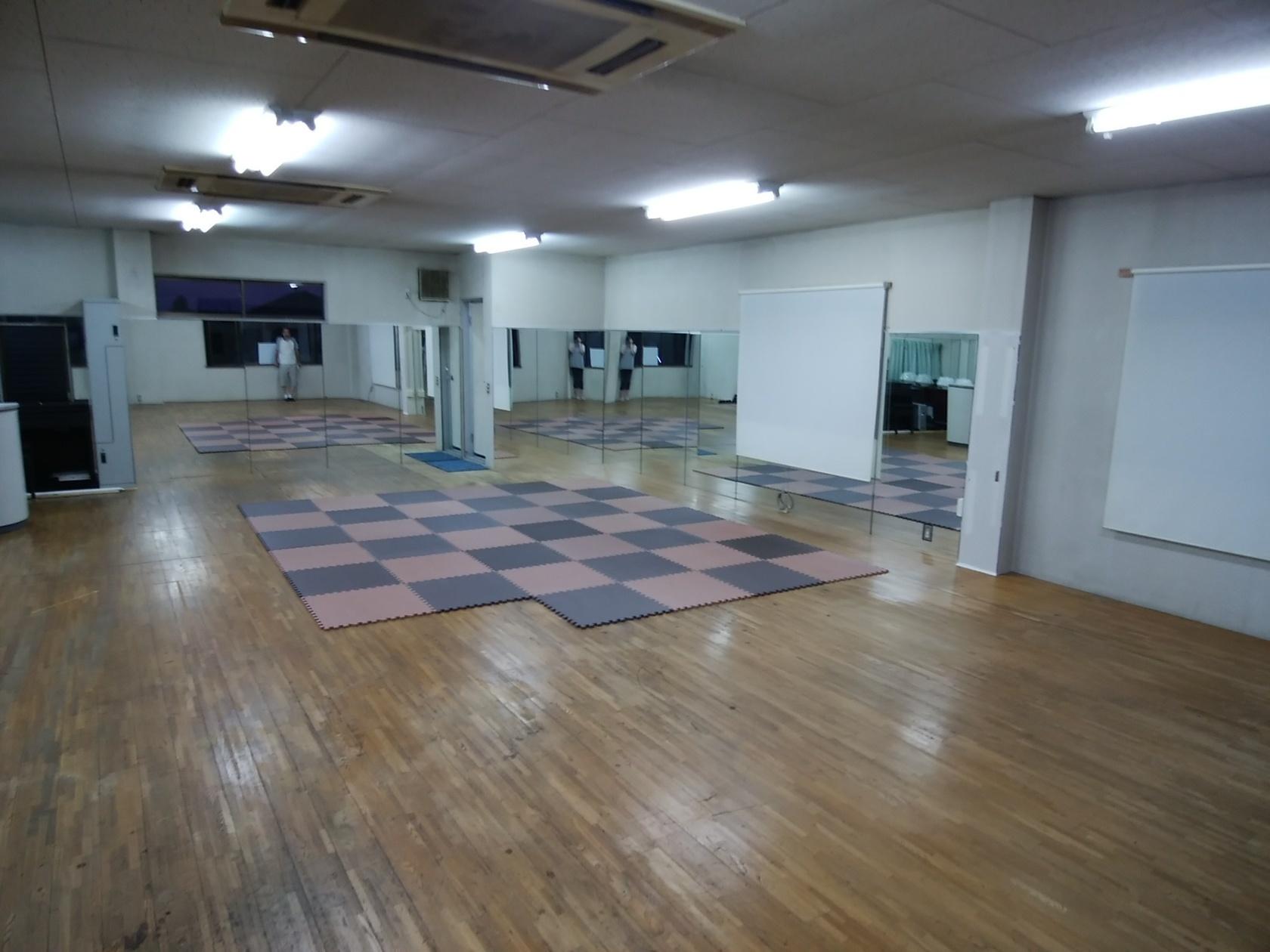 ヨガ・リトミック・ダンス等、各種運動教室やレンタルスペースとしてご利用下さい。(ATMスタジオ) の写真0