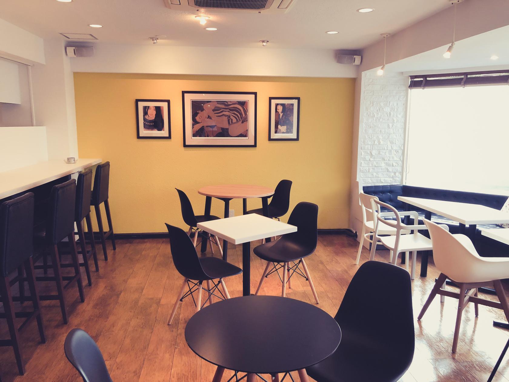 【ミッドタウンからすぐ】おしゃれなカフェを貸切で使う!会議、勉強、ミーティングなどに!(【ミッドタウンからすぐ】おしゃれなカフェを貸切で使う!会議、勉強、ママ会、撮影など使い方自由!) の写真0
