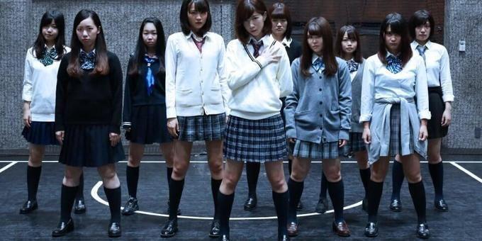 「欅坂46踊ってみた」動画の撮影現場に密着!坂道コピーアイドル「榎坂46」の活動に迫る